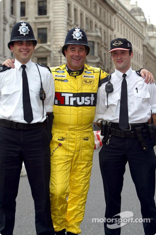Nigel Mansell rencontre la Police de Londres
