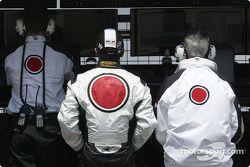 Takuma Sato at BAR-Honda pitwall