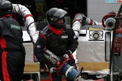 Minardi team member ready for a pitstop