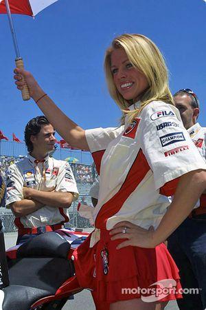 Промо-девушка Ducati Fila