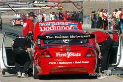 Tim Gordon rentre aux stands en essais