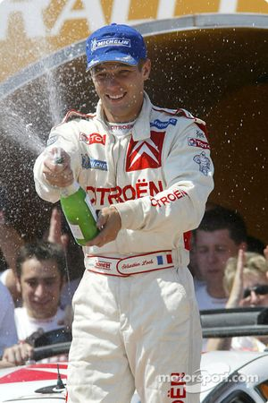 Podium: champagne for Sébastien Loeb