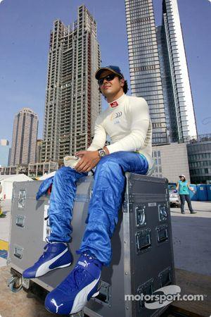 Felipe Massa a fait quelques tours de démonstration pour promouvoir le GP de Chine
