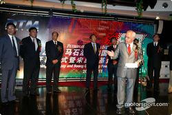 DTM Gala in Oriental Pearl Tower: ITR President Hans Werner Aufrecht on stage