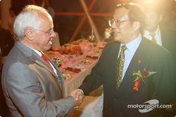 Gala DTM à l'Oriental Pearl Tower : le président de l'ITR Hans Werner Aufrecht