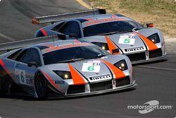 La Lamborghini Murcielago R-GT n°6 du Krohn-Barbour Racing (Tracy Krohn, Dave McEntee) et la Lamborghini Murcielago R-GT n°5 du Krohn-Barbour Racing (David Brabham, Peter Kox)