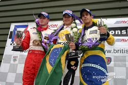 Podium : le vainqueur Nelson A. Piquet avec Adam Carroll et Lucas di Grassi