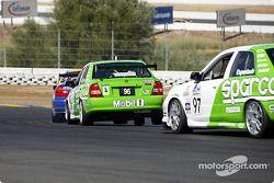Scott Fredricksen et Charles Espenlaub dans le virage n°4 à l'nfineon Raceway