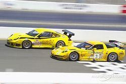 #3 Corvette Racing Corvette C5-R and #60 P.K. Sport Porsche 911 GT3 RS: Ron Fellows, Johnny O'Connell, Peter Boss, Hugh Plumb