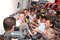 Attention des médias pour Ralf Schumacher