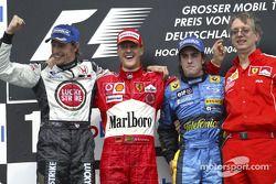 Подиум: победитель гонки Михаэль Шумахер, Дженсон Баттон, Фернандо Алонсо и Паоло Мартинелли