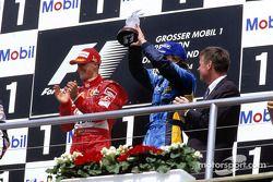 Podyum: Yarış galibi Michael Schumacher ve Fernando Alonso