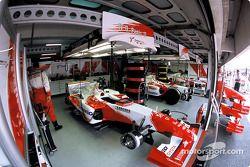 Toyota Racing garajı area