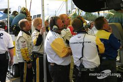Corvette team members watch the morning warm-up