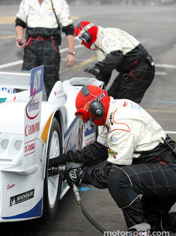 Champion Racing crew hard at work during a pitstop practice in morning warm-up