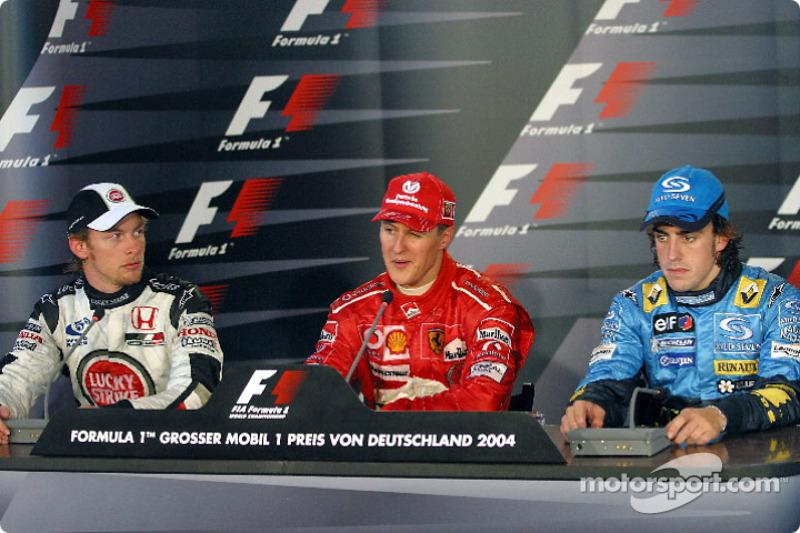 FIA basın toplantısı: Michael Schumacher ve Jenson Button ve Fernando Alonso