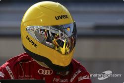 Pitstop practice at Audi: a crew member