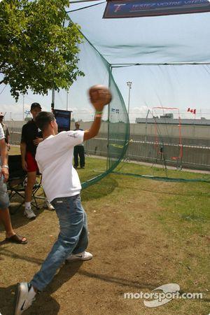 Les fans de Trois-Rivières s'essaient au football électronique
