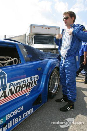 Jorge Diaz Jr. se prépare à la course