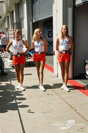 Les GMAC Girls