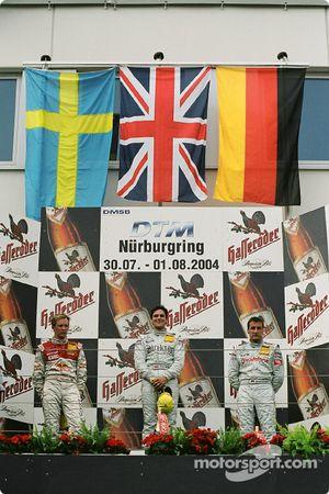 Podium : le vainqueur Gary Paffett avec Mattias Ekström et Bernd Schneider