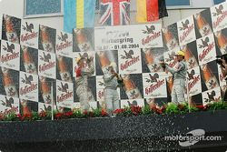 Podium : champagne pour Gary Paffett, Mattias Ekström et Bernd Schneider