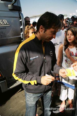 Heinz-Harald Frentzen signe des autographes