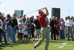 Les pilotes du Brickyard 400 au golf : Jeff Burton