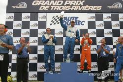Podium GTO : le vainqueur Marc-Antoine Camiret avec Normet Guindon et Réjean Vincent