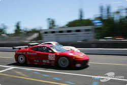 La Ferrari 360 GTC Modena n°35 du Risi Competizione (Ralf Kelleners, Anthony Lazzaro) et la Porsche