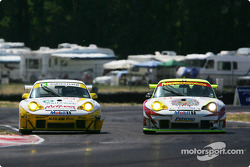 #24 Alex Job Racing Porsche 911 GT3 RSR: Romain Dumas, Marc Lieb and #31 White Lightning Racing Porsche 911 GT3 RSR: Michael Petersen, Craig Stanton, David Murry