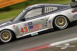 La Porsche 911 GT3 RSR n°43 de BAM! (Leo Hindery, Sascha Maassen)