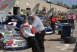 L'équipe de Sterling prépare la Chevrolet n°40 Coors Light