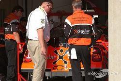 Le Team Cingular envoie la Chevrolet à l'inspection