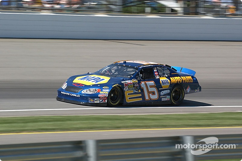 15 Michael Waltrip qualifies for the Brickyard 400 at Indianapolis