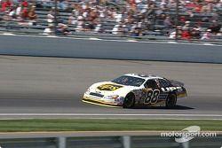 Le n°88 Dale Jarrett se qualifie pour le Brickyard 400