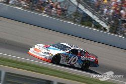 Le n°10 Scott Riggs se qualifie pour le Brickyard 400