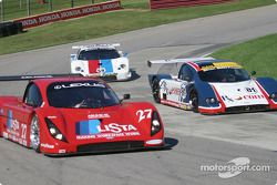 La Toyota Doran n°27 de Doran Lista Racing (Didier Theys, Ben Leuenberger) et la BMW Doran n°81 du G&W Motorsports (Cort Wagner, Brent Martini)