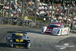 La Pontiac Riley n°10 du SunTrust Racing (Wayne Taylor, Max Angelelli, Emmanuel Collard) et la Lexus Riley n°01 de CGR Grand Am (Scott Pruett, Max Papis)