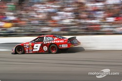 Kasey Kahne brushes the wall in turn 3