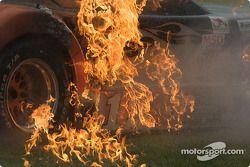 La Jaguar de Michael Lewis en feu