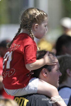 Un jeune fan de Ricky Rudd