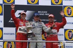 Podio: ganador de la carrera Kimi Raikkonen, segundo lugar Michael Schumacher y tercer lugar Rubens