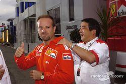 Rubens Barrichello happy ve front row starting position