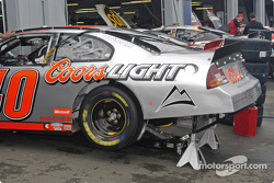 #40 Sterling Marlin car warming the drive train