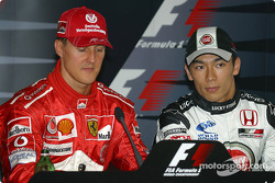 Conferencia de prensa: Ganador de la pole Michael Schumacher, y Takuma Sato