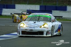 La n°90 T2M Motorsport : Robin Liddell, Yukihiro Hane, Gilles Vannelet