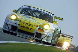La n°85 Freisinger Motorsport : Stéphane Ortelli, Emmanuel Collard