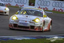 La n°81 Farnbacher Racing : Thorkild Thyrring, Lars-Erik Nielsen, Patrick Long