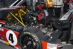 #4 Pontiac Crawford broke a shifter bellcrank